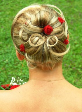 Bridal Hairstyle Classic Bun With Red Flowers Knot For Life