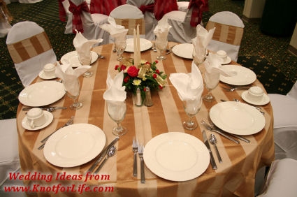 Gold Wedding Color Scheme/Table Decor