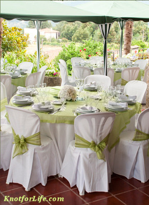 White And Green Wedding Table Decoration